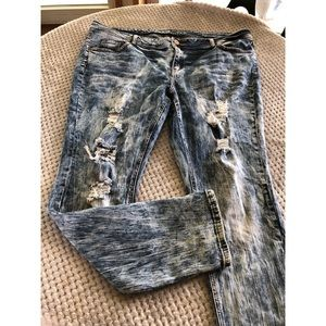 Almost Famous Distressed Skinny Jeans Size 20